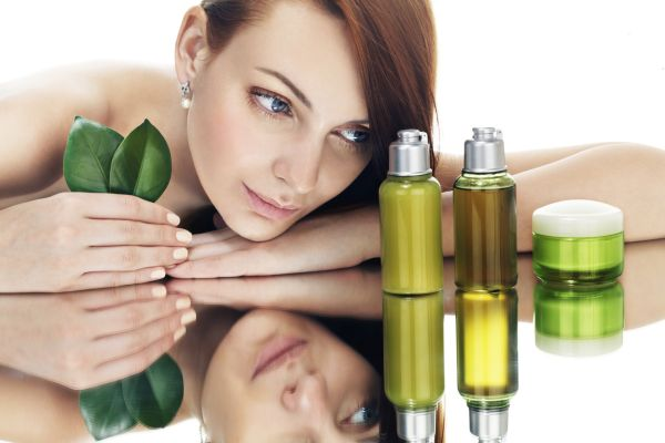 woman_beauty_products