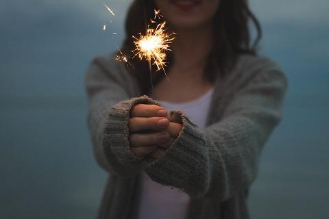 girl-sparkler