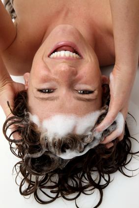 woman-shampooing2.jpg