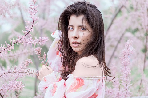 girl in springtime 2